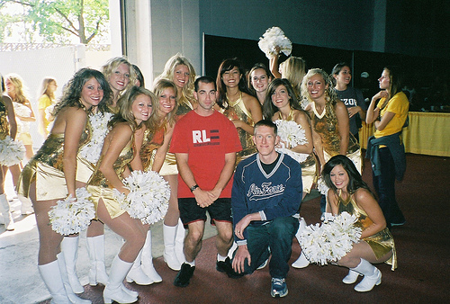 digg-users-missouri-cheerleaders